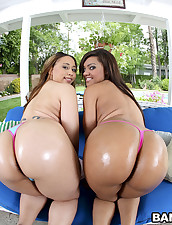 2 scrumptious chunky asses with a side..